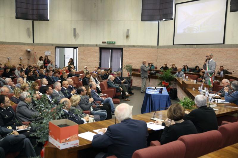 """CIVITAVECCHIA – DONAZIONE DI UN PULMINO ALL'ASSOCIAZIONE """"IL PONTE"""""""