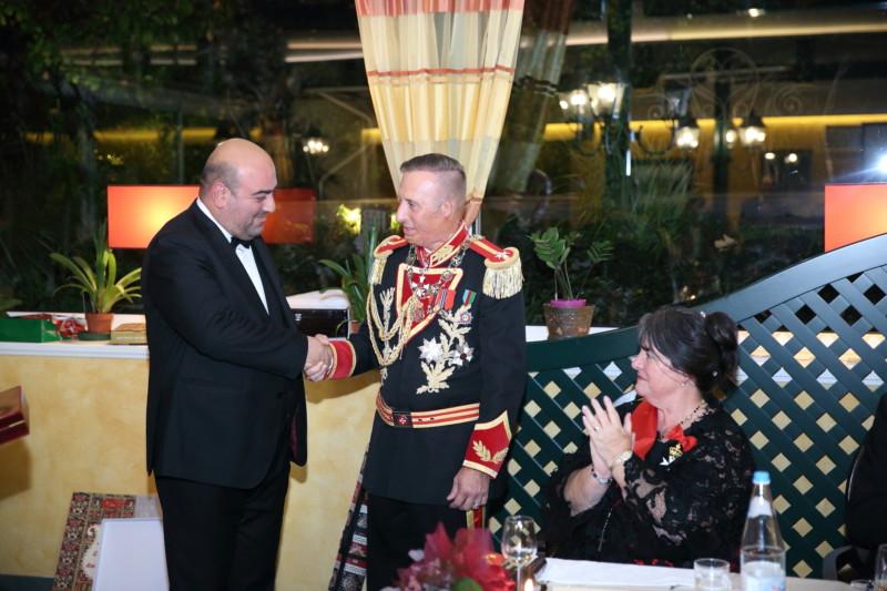 CONFERITO L'AZERBAIJAN GOLDEN ORDER AL PRINCIPE GRAN MAESTRO