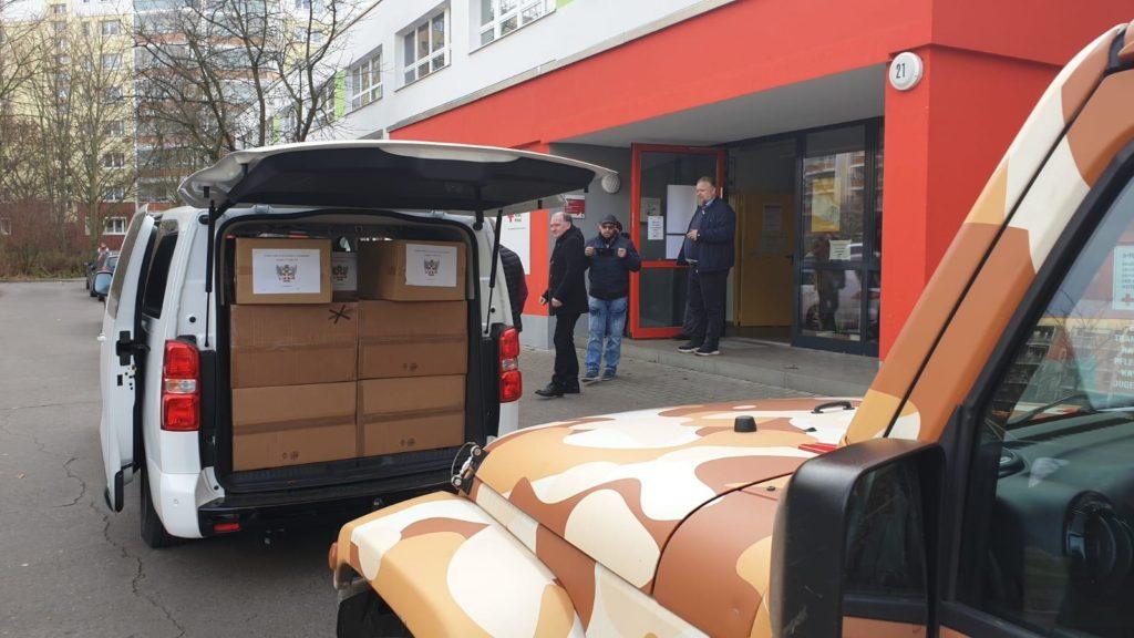 Donazione di indumenti per la DRK Berlino-Marzahn